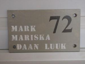 Sloophouten naam bord voor bij de voordeur