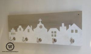 kapstok-steigerhout-huizenrijtje