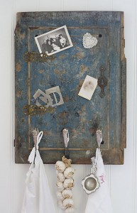 kapstok van oude deur