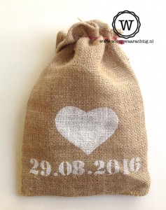 jute zakje bruiloft hart en datum