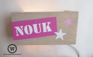 wandlamp roze naam en sterren