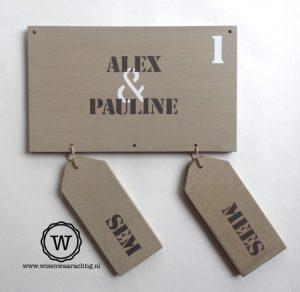 houten naambord sfeervol grey wash met losse bordjes kinderen